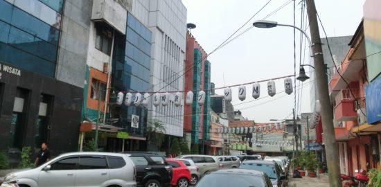 インドネシア・ジャカルタの日本人街「ブロックM」。夜は多くの日本人で賑わう。