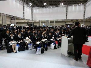 日本の労働力である若者は今後減っていく