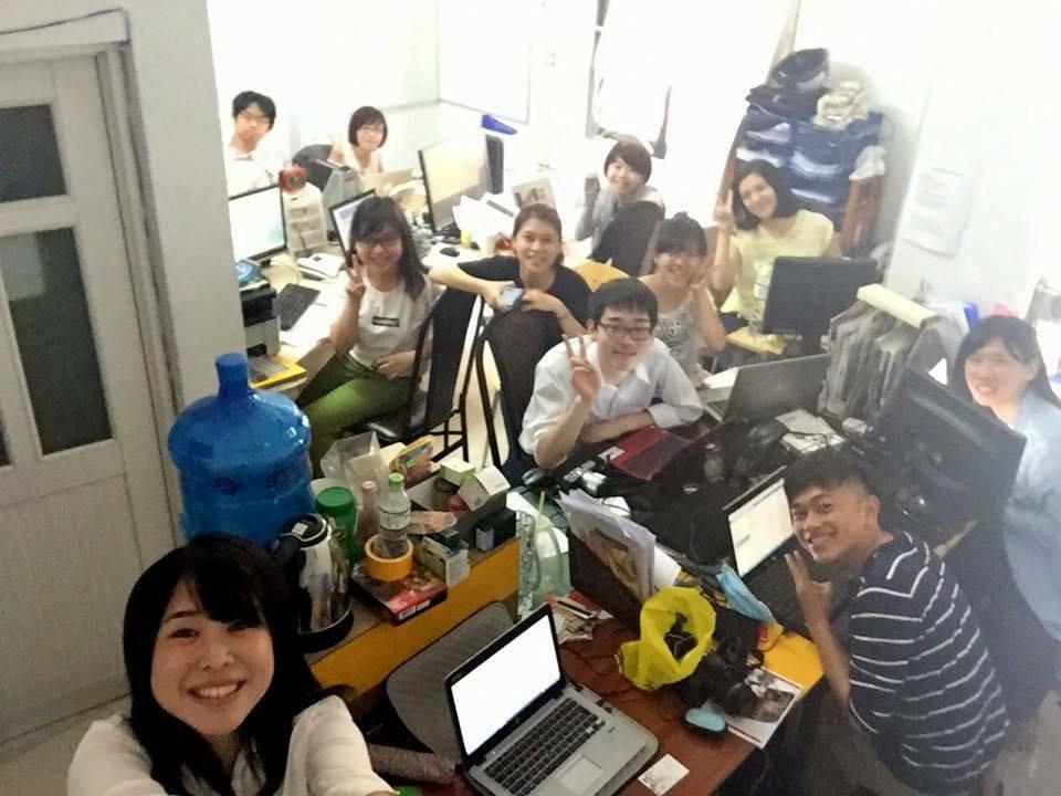 オフィスの様子。皆さんいい笑顔です。