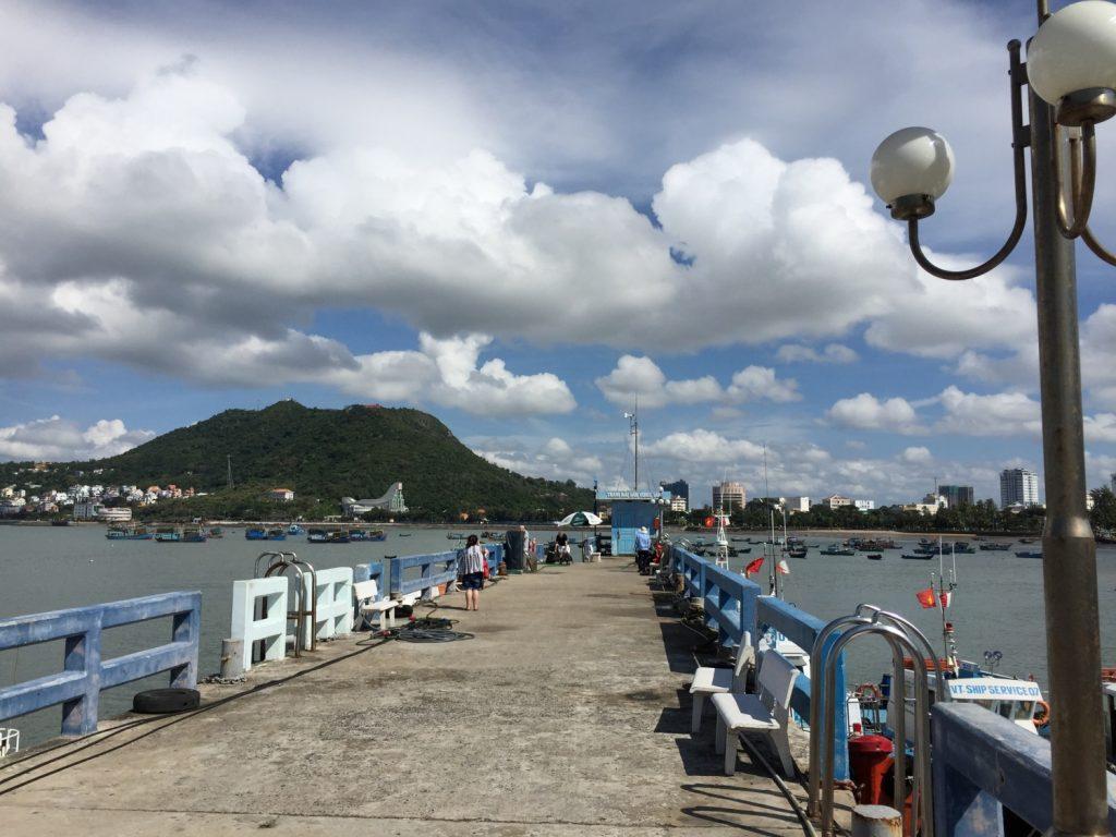 休日に訪れたベトナムのリゾート地ブンタウ