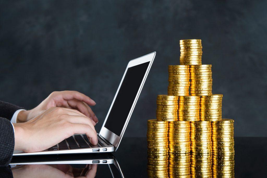 奨学金を利用することでお金と時間を節約